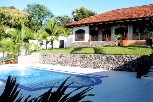 pool_and_house